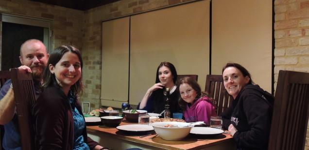 Perth: Jennifer, Jamaica i Charleah